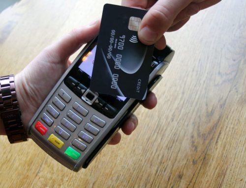 Kreditkarten-Diebstahl: Wer haftet bei Betrug mit kontaktloser Zahlung?
