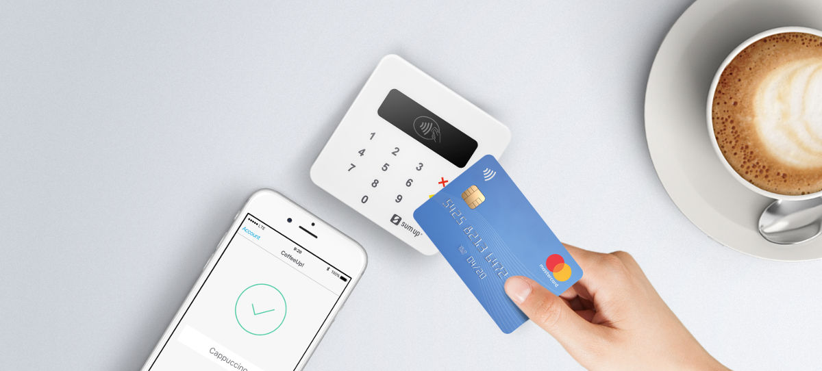 Für die Zahlung per Kreditkarte genügt das Kartenlesegerät SumUp Air und die passende Smartphone-App.